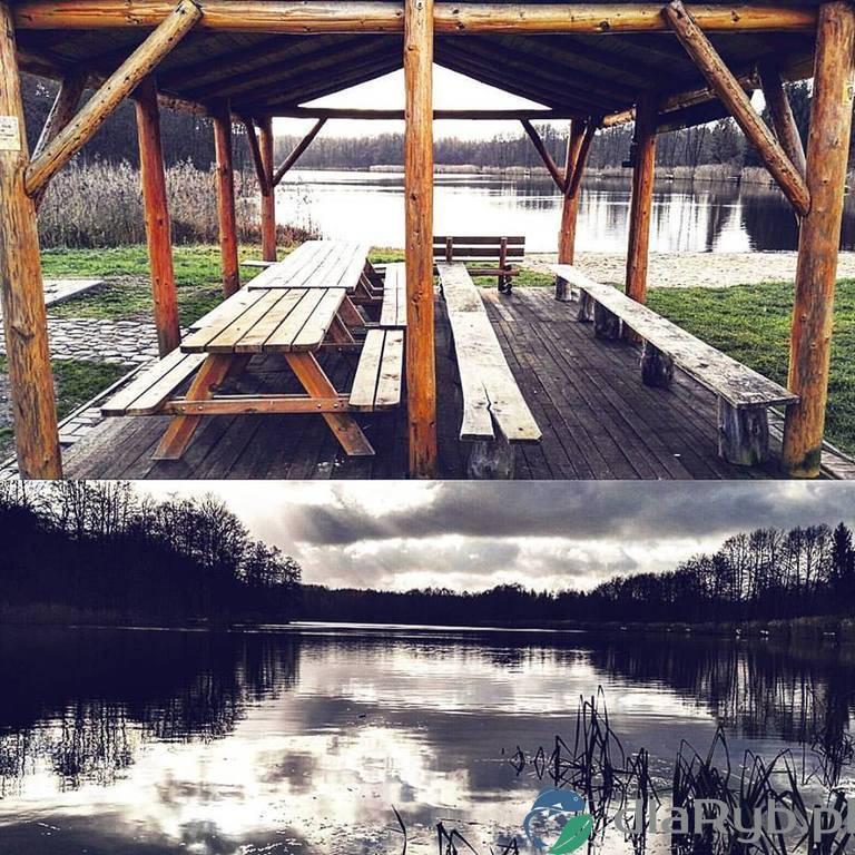 Jezioro Nienawiszcz jesienią